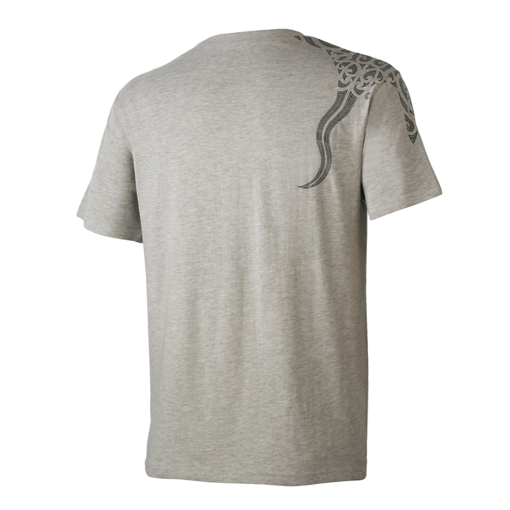 Gray Marble Stingray shoulder wrap T-Shirt